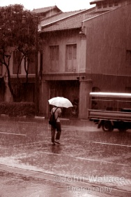 Caught in the rain, Sepia