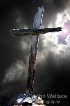 The old wooden cross