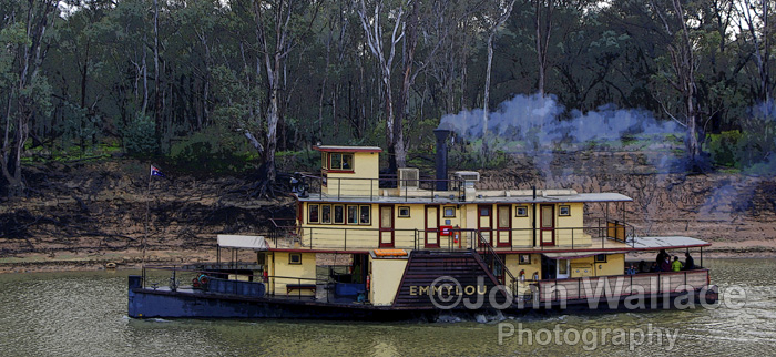 Paddle steamer 'EMMYLOU' on the river Murray