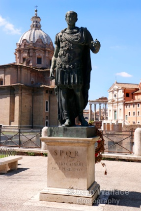 Statue of Julius Caesar (Rome)